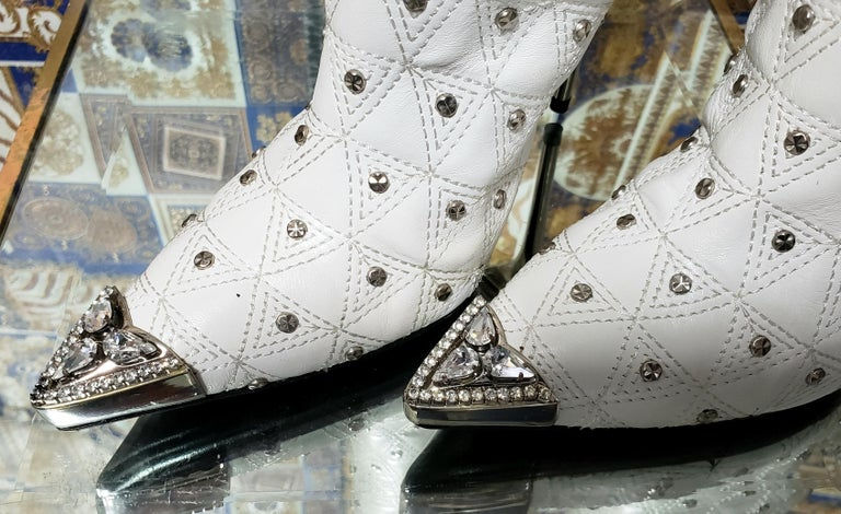 Fall/2013 L# 1 NEW VERSACE WHITE LEATHER STUDDED WESTERN STILETTO Boot 40 - 10 For Sale 2