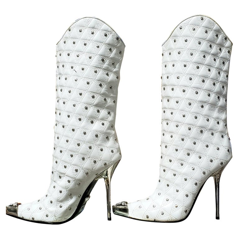 Fall/2013 L# 1 NEW VERSACE WHITE LEATHER STUDDED WESTERN STILETTO Boot 40 - 10 For Sale