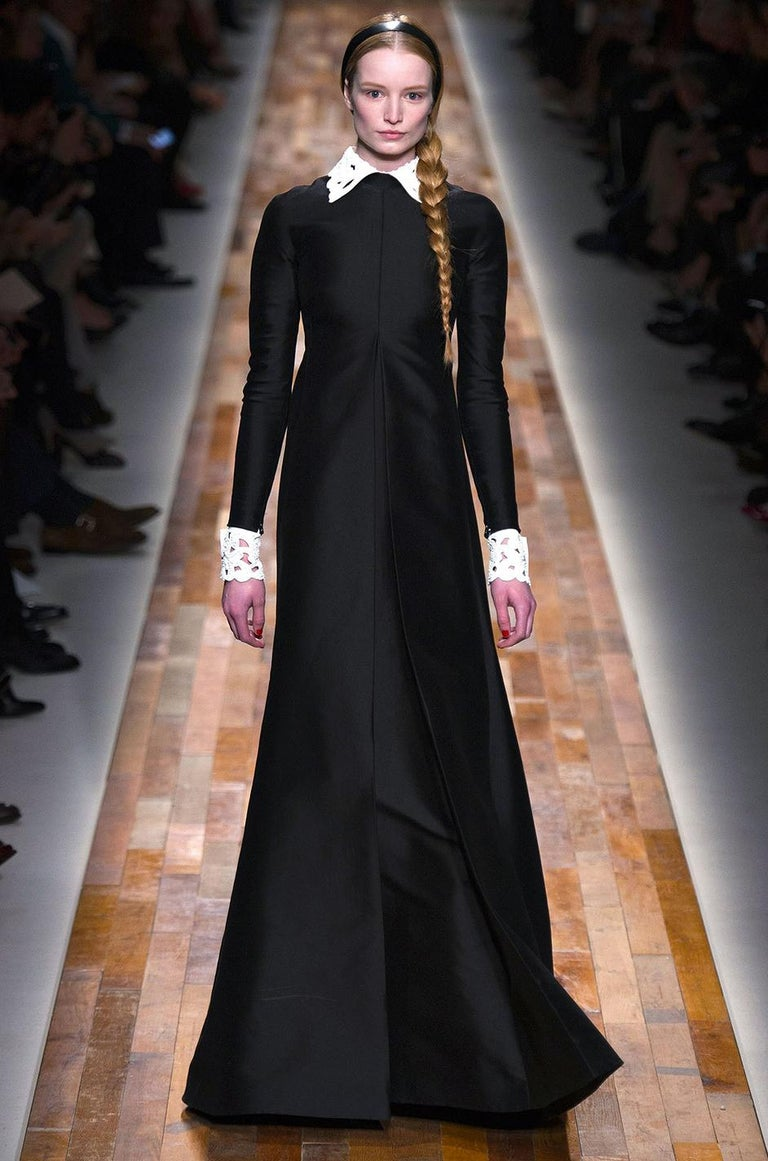 Fall 2013 Valentino Runway Finale Long Sleeve Simple & Graceful Black Dress For Sale 8