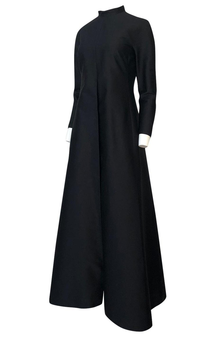 Fall 2013 Valentino Runway Finale Long Sleeve Simple & Graceful Black Dress For Sale 1