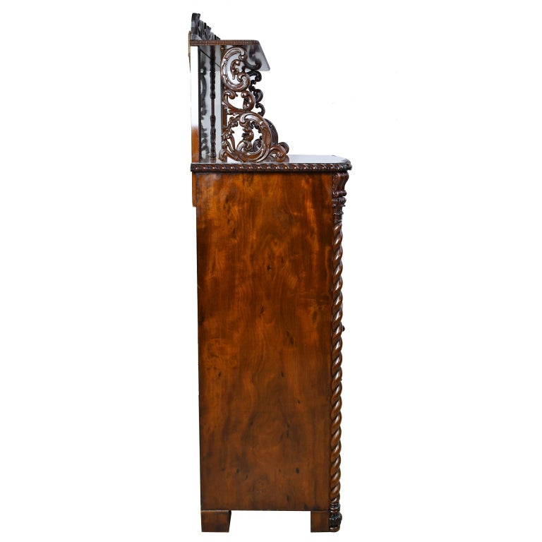 Fall-Front Desk in West Indies Mahogany Attributable to Hetsch, Denmark For Sale 12