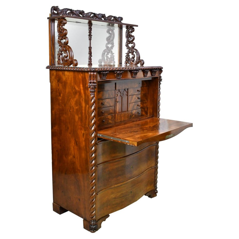 Fall-Front Desk in West Indies Mahogany Attributable to Hetsch, Denmark For Sale