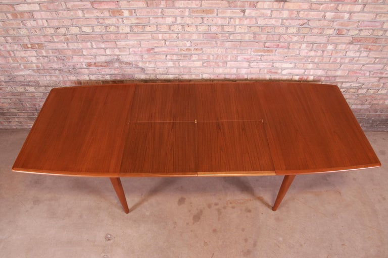 Falster Danish Modern Teak Boat-Shaped Extension Dining Table, Newly Restored In Good Condition For Sale In South Bend, IN