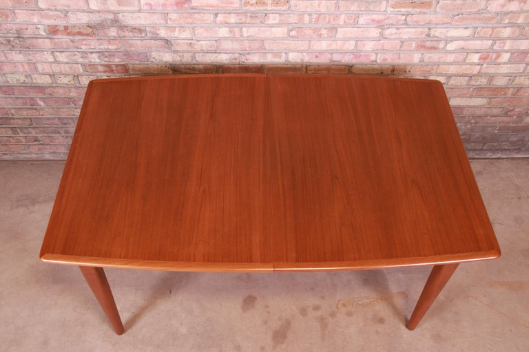 Falster Danish Modern Teak Boat-Shaped Extension Dining Table, Newly Restored For Sale 4
