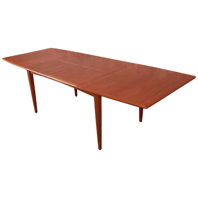Falster Danish Modern Teak Boat-Shaped Extension Dining Table, Newly Restored For Sale