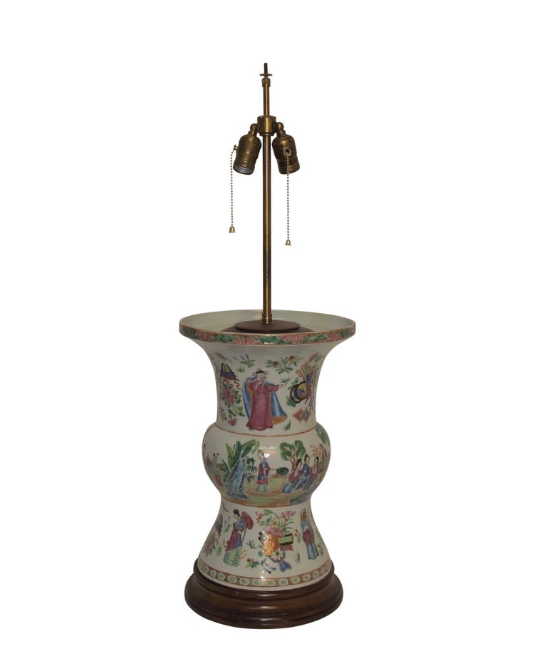 Famille Rose Vase Lamp with Hand Painted Figures, Chinese 19th Century For Sale 5