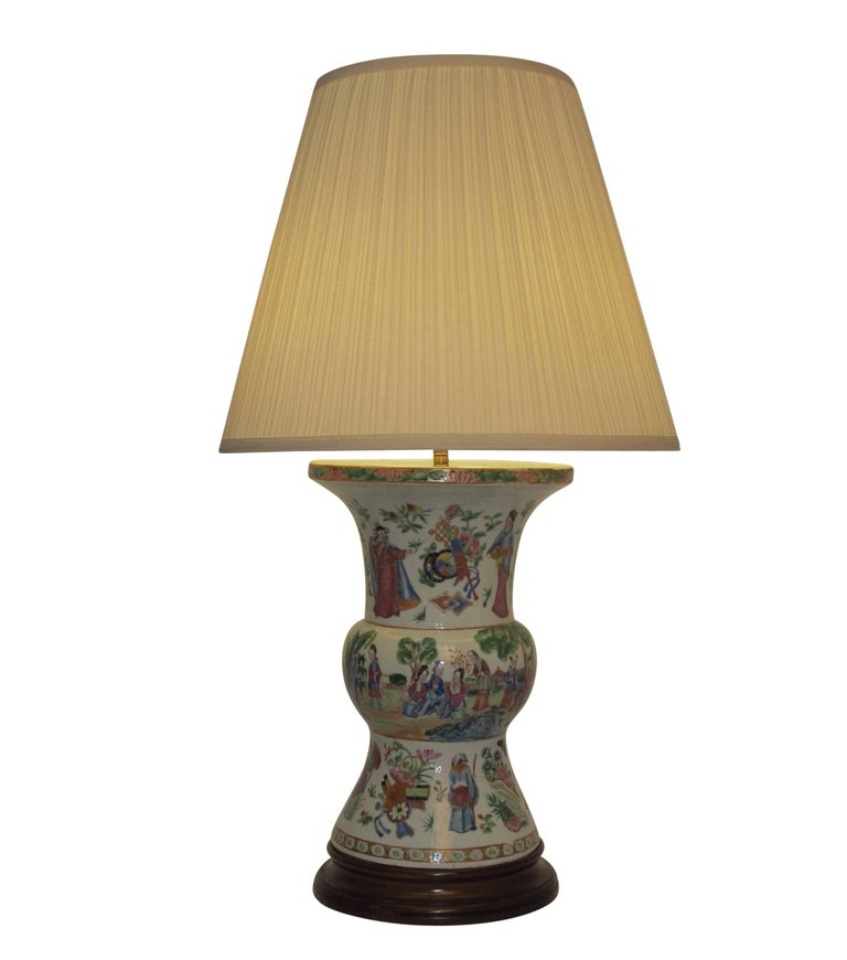 Famille Rose Vase Lamp with Hand Painted Figures, Chinese 19th Century For Sale 2