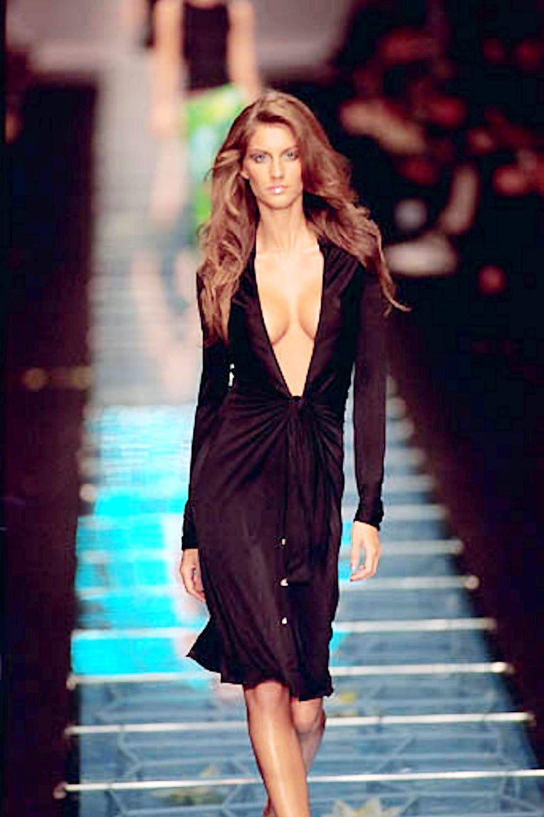 Famous Gianni Versace Couture SS 2000 Black Dress from Jungle Collection For Sale 2