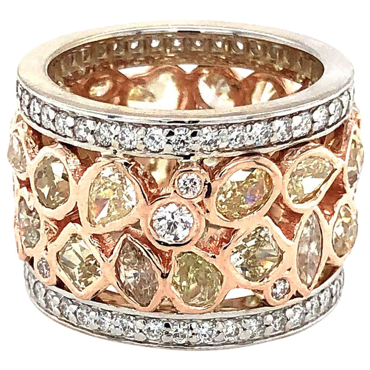 Fancy Diamond Gold Band 18 Karat