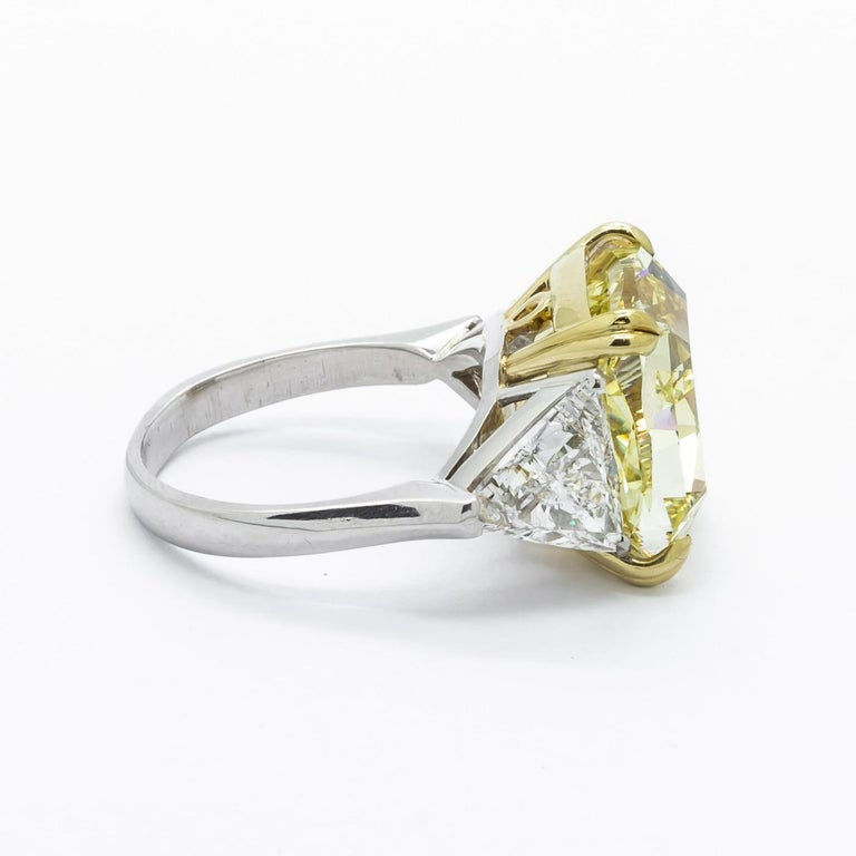 Women's Fancy Intense Yellow Diamond Ring, Platinum and Gold, 14.51 Carats For Sale