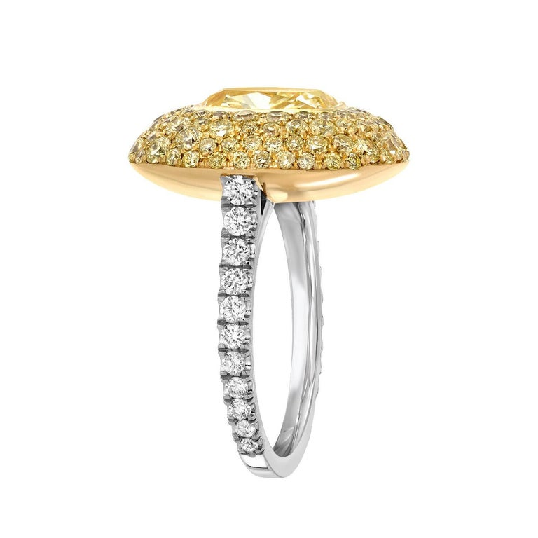 Fancy Light Yellow Diamond Ring 3.01 Carat Cushion Cut GIA Certified In New Condition For Sale In Beverly Hills, CA
