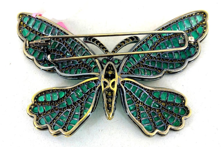 Fancy Yellow Diamond, Emerald Butterfly Brooch In Good Condition For Sale In New York, NY