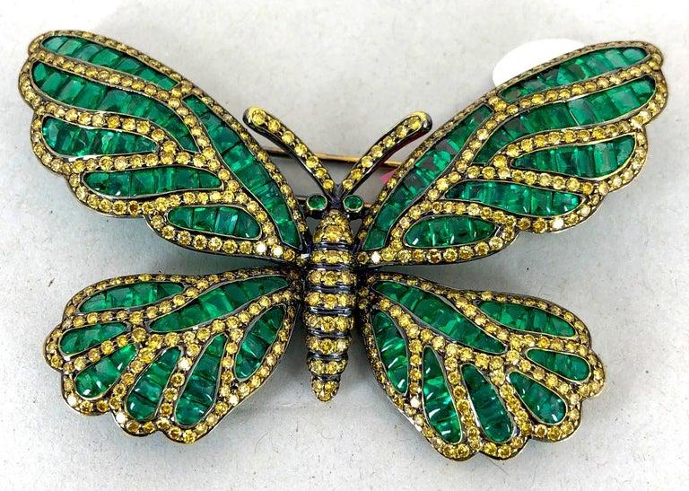Women's or Men's Fancy Yellow Diamond, Emerald Butterfly Brooch For Sale