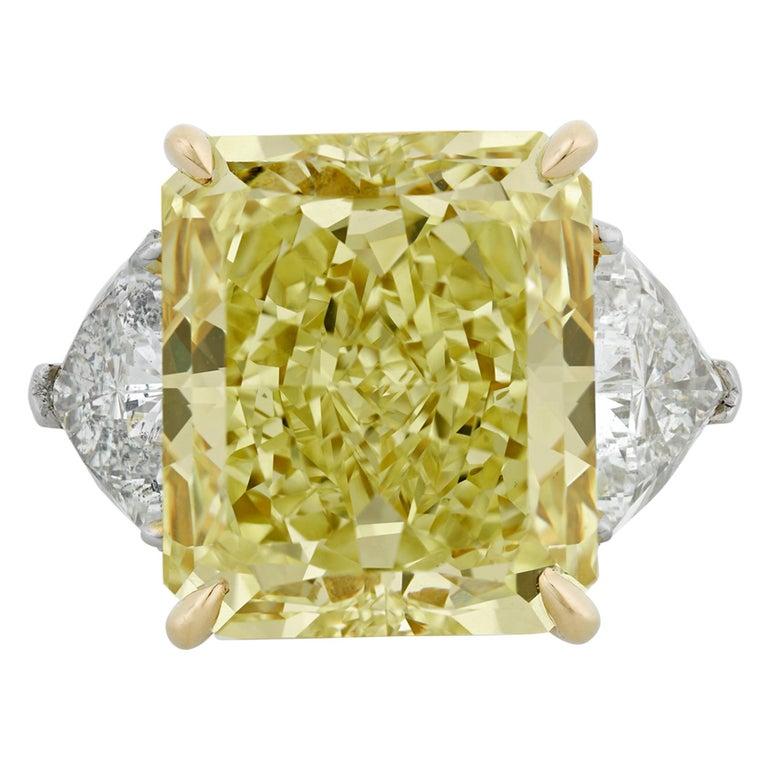 Fancy Yellow Diamond Ring, 20.28 Carat For Sale