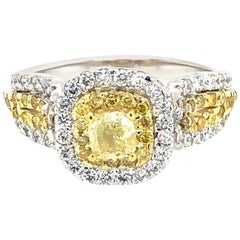 Fancy Yellow Diamonds Ring 18 Karat Gold