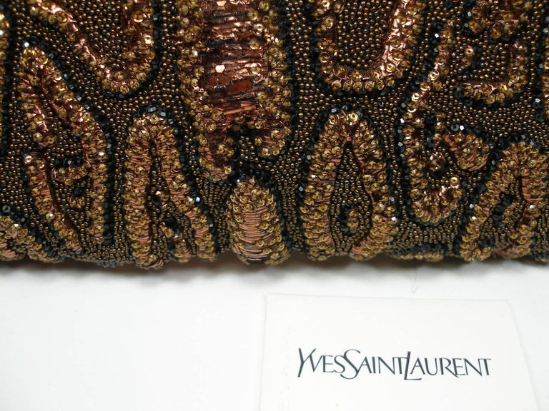 Fantastic & Collectible Era Tom Ford for YSL Beaded and Sequins Clutch  In Good Condition For Sale In VERGT, FR