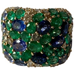 Fantastic 18 Karat Yellow Gold Ring Emeralds, Sapphires and Diamonds