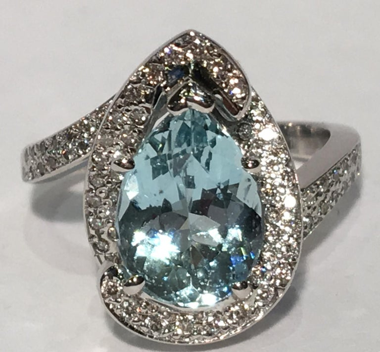 Fantastic 2.6 Carat Pear Cut Aquamarine Diamond Modern Swirl 18 Karat Ring 6