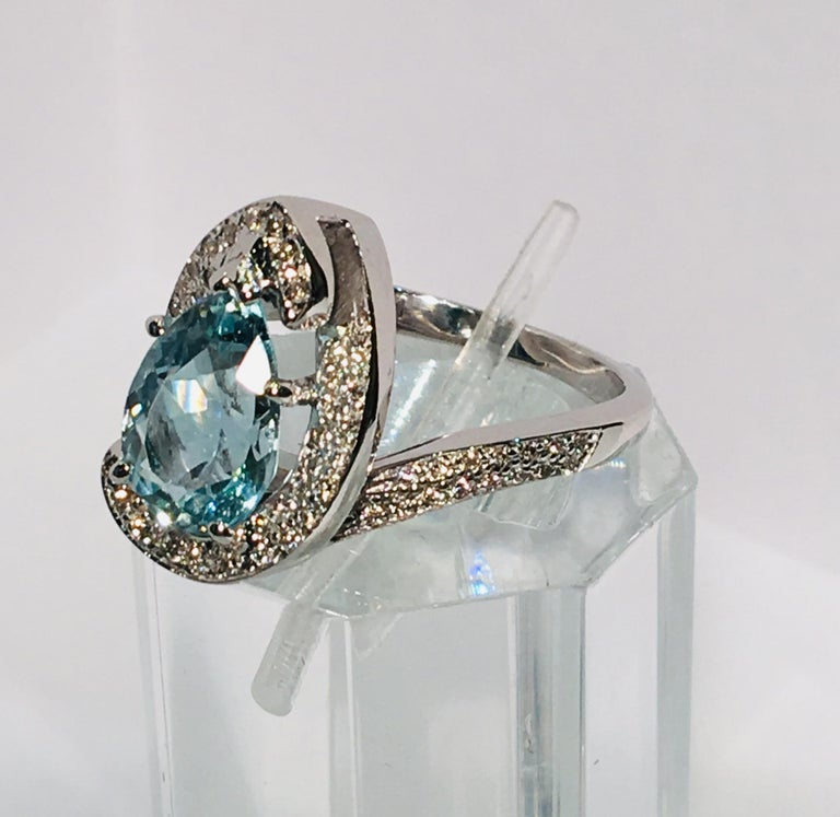 Fantastic 2.6 Carat Pear Cut Aquamarine Diamond Modern Swirl 18 Karat Ring 8