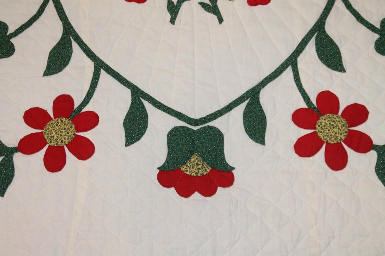 20th Century Fantastic Eagle Applique Quilt with a Swag Border