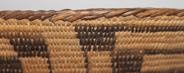 Fantastic Early 20thc Pima Indian Basket In Good Condition For Sale In Los Angeles, CA