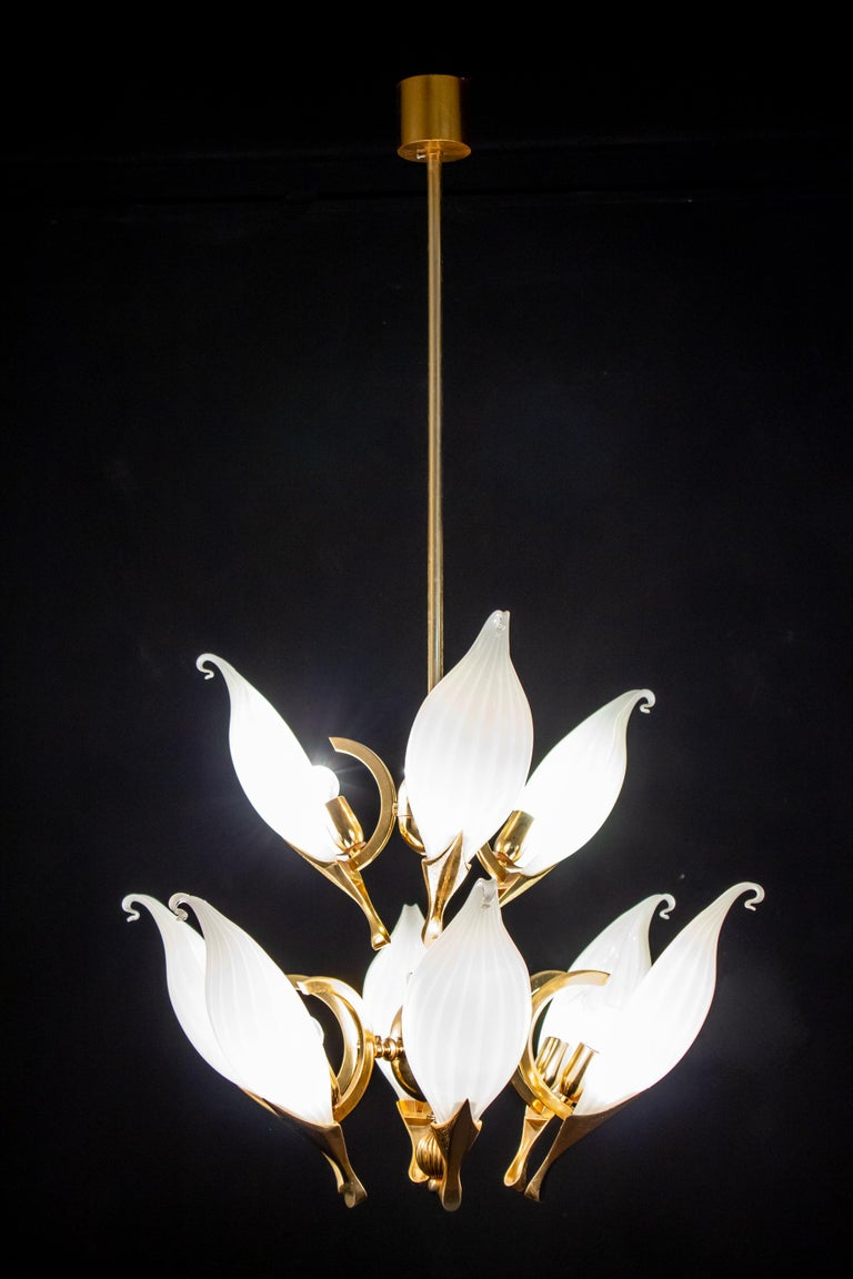 Fantastic Franco Luce for Seguso Murano Glass and Brass Chandelier, 1970s For Sale 7
