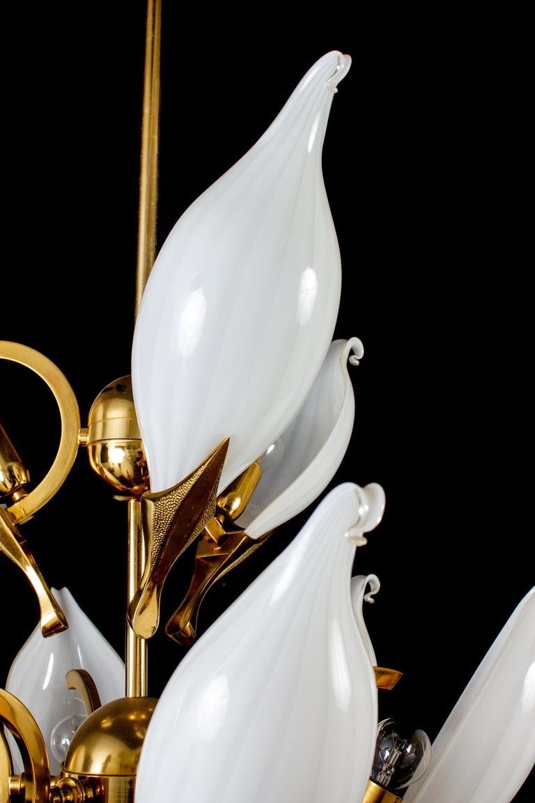 Fantastic Franco Luce for Seguso Murano Glass and Brass Chandelier, 1970s For Sale 13