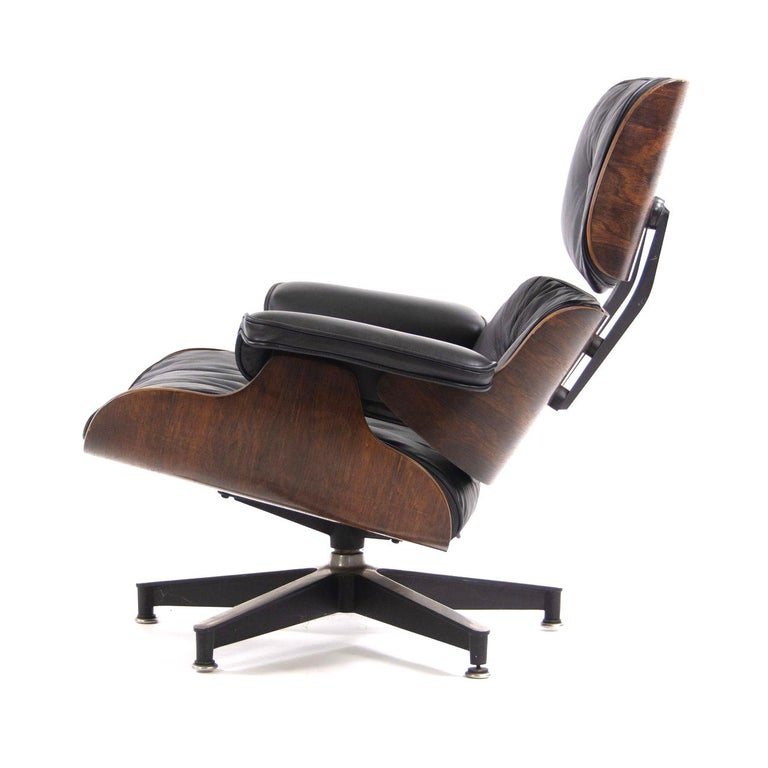 American Fantastic Herman Miller Eames Lounge Chair and Ottoman For Sale