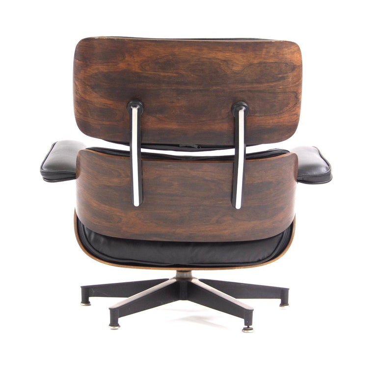 20th Century Fantastic Herman Miller Eames Lounge Chair and Ottoman For Sale
