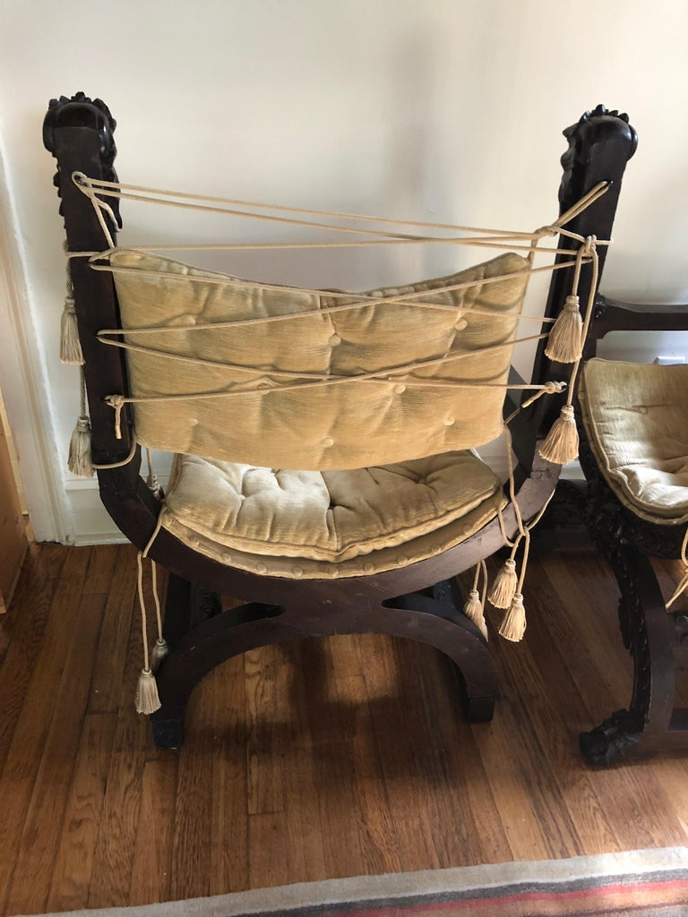 Fantastic Ornately Carved Pair of Savaranola Club Chairs Armchairs For Sale 3