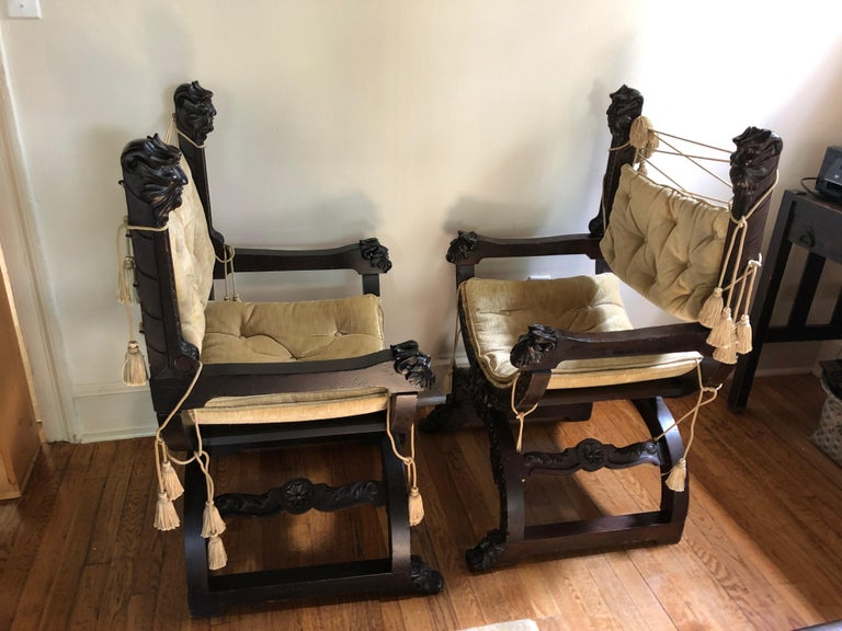Fantastic Ornately Carved Pair of Savaranola Club Chairs Armchairs For Sale 2