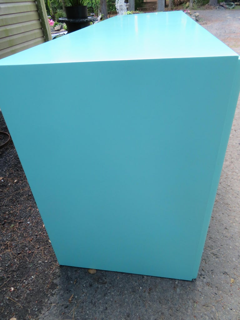 Fantastic Tiffany Blue Paul Frankl X-Pull Dresser Credenza Mid-Century Modern For Sale 3
