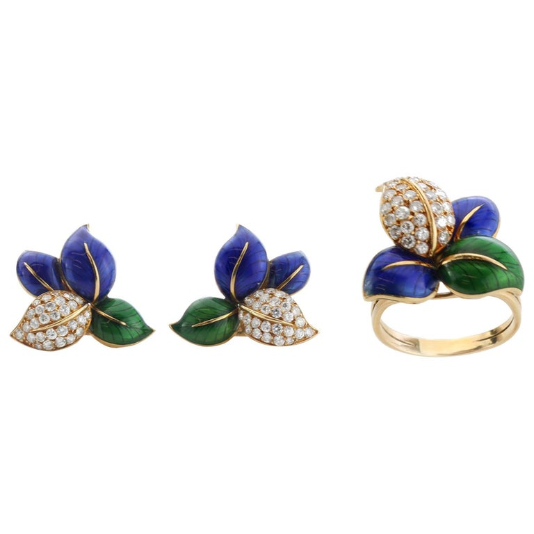 Faraone Earring and Ring Set, Gold and Diamonds, Made in Italy For Sale