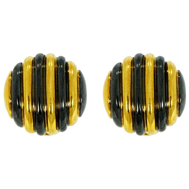 Faraone Yellow Gold Striped Non-Pierced Clip-On Earrings For Sale
