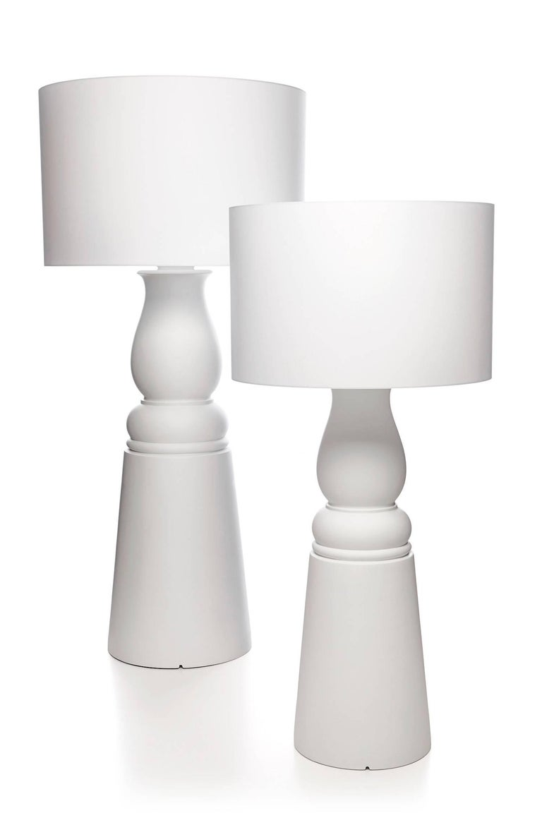 farooo floor lamp in black or white by marcel wanders for sale at
