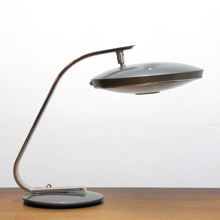 Elegant chrome and enameled metal desk lamp 'Model 520 C' by Pedro Martin for Fase Madrid, Spain, articulating head, two bulb set up behind original glass diffuser, on/off switch on the shade rim, wired for US standards, two E27 sockets, max.