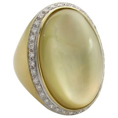 Fashion Cabochon Lemon Quartz Mother of Pearl Diamond 18 Karat Gold Estate Ring