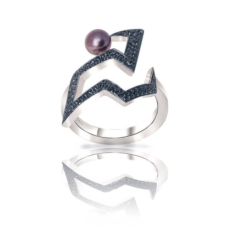 Fashion Ring in Silver with Black Diamonds and Tahitian Pearl For Sale