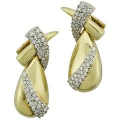 Fashionable 18 Karat Yellow Gold Diamond Dangling Earrings 3.06 Carat