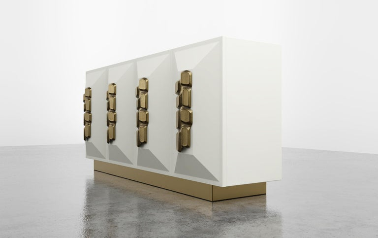 American FAUSTINE CRDENZA - Modern cream lacquer with bronze handles