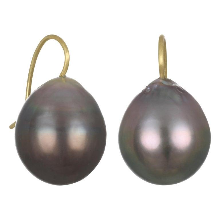 Faye Kim 18 Karat Gold Black Tahitian Cultured Pearl Drop Earrings For Sale