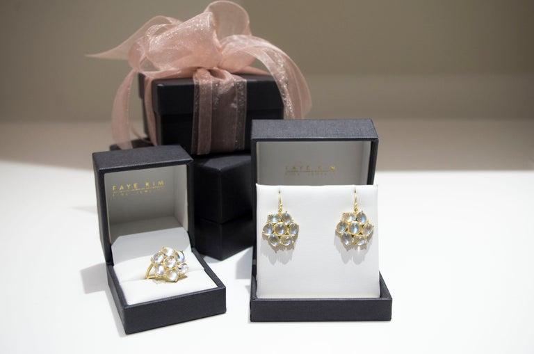 Women's Faye Kim 18 Karat Gold Ceylon Moonstone Daisy Earrings For Sale