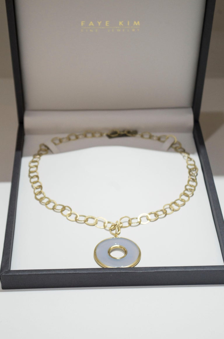Contemporary Faye Kim 18 Karat Gold Chalcedony Circle Pendant Necklace For Sale