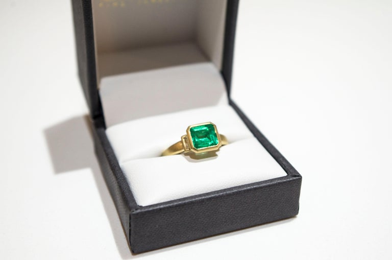 Emerald Cut Faye Kim 18 Karat Gold Colombian Emerald and Diamond Ring For Sale