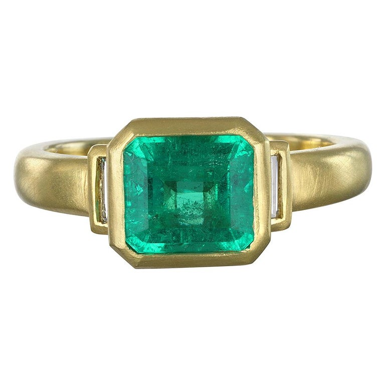 Faye Kim 18 Karat Gold Colombian Emerald and Diamond Ring For Sale