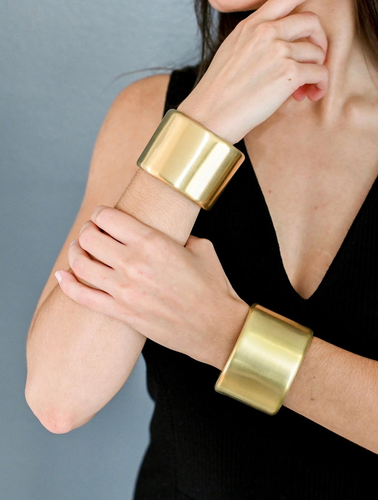 A magnificent piece of jewelry where art and design mesh perfectly. Fabricated entirely by hand in solid 18K green gold, a cuff that is timeless and classic yet so relevant for today's contemporary style. Hand-burnished for a soft, satin-matte