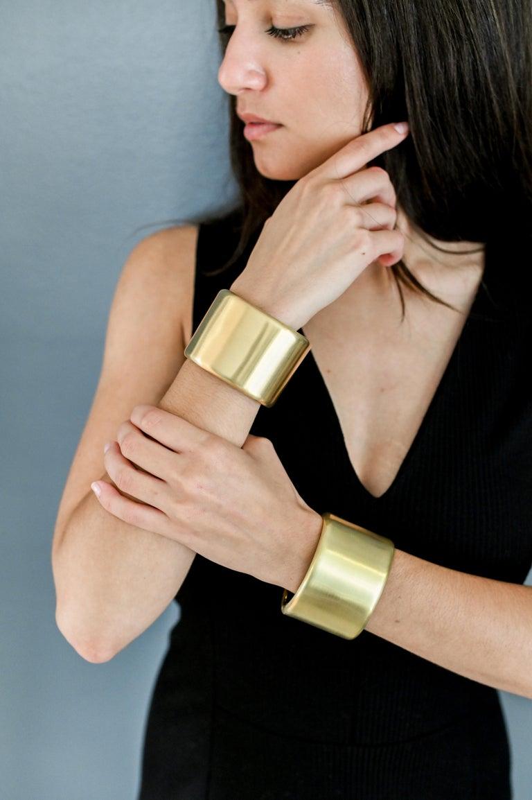 Faye Kim 18 Karat Gold Cuff In New Condition For Sale In Westport, CT
