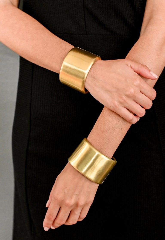 Faye Kim 18 Karat Gold Cuff For Sale 1
