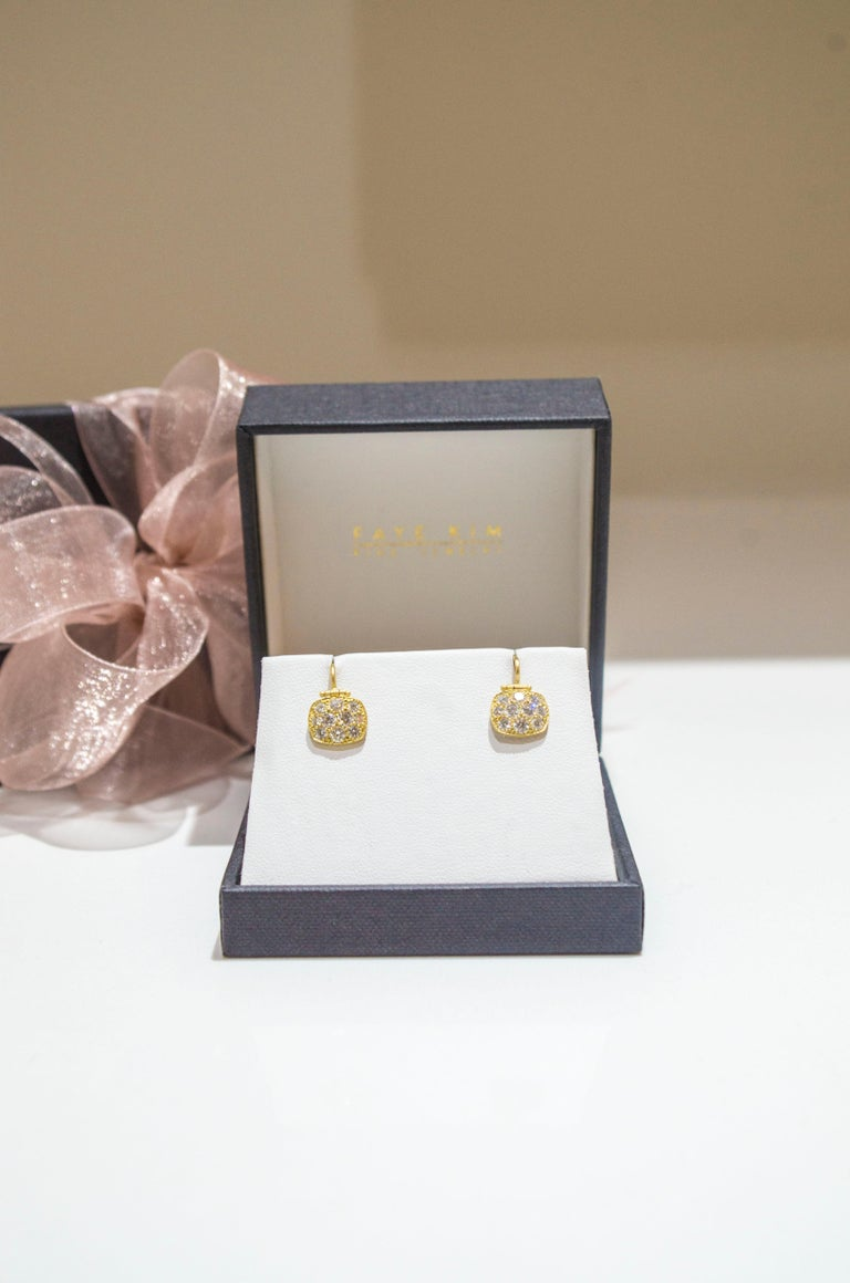 Contemporary Faye Kim 18 Karat Gold Diamond Pave Chiclet Hinged Earrings For Sale
