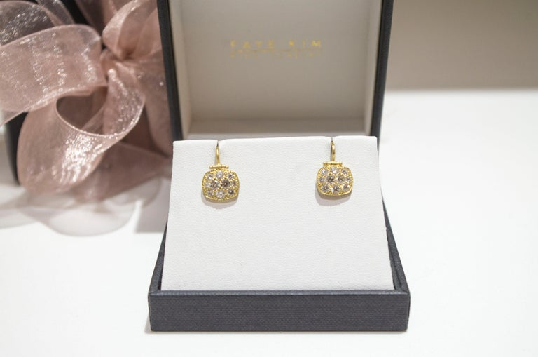 Faye Kim 18 Karat Gold Diamond Pave Chiclet Hinged Earrings In New Condition For Sale In Westport, CT